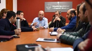 Encuentro. La cúpula municipal y la de la empresa tuvieron una charla para minimizar los roces.