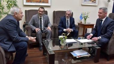 Discusión. Desde la izquierda, Donnet, Panizzi, Vivas y Arcioni durante la discusión por la crisis carcelaria.