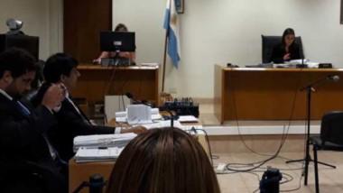 El juez Jorge Odorisio decidió enjuiciar a los dos policías por un hurto.