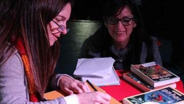 La magia de Harry Potter llenó la Feria. Dolores Avendaño contó como llegó a dibujar tapas y firmó libros.