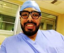 el médico Jonathan D'alessandro, fue separado en forma preventiva de sus funciones.