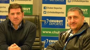"""Gustavo Hernández, presidente de """"La Maquinita"""", visitó y agradeció a Chubut Deportes por la colaboración."""