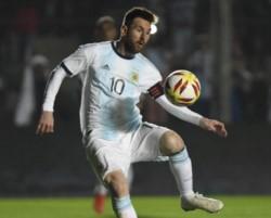 El seleccionado nacional se despidió con una goleada antes del viaje a Brasil.