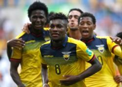 Con goles de Cifuentes y Espinoza, la Tricolor derrotó 2-1 a Estados Unidos y se metió entre los 4 mejores del mundo.