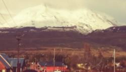 Nieve en las cumbres y lluvia en los pueblos.Así votan hoy los cordilleranos (foto @ArielUtrera)