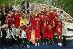 El capitán que ha levantado los 2 únicos títulos absolutos que tiene la Selección de Portugal en su historia. Leyenda total.