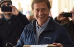 Rodolfo Suárez derrotó al candidato del Pro, Omar De Marchi.