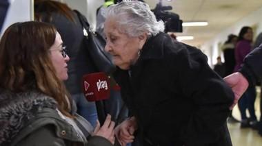 Cumplidora. Celestina Méndez, de 85 años, no faltó a la cita.