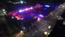 as celebraciones de los hinchas en el regreso a sus raíces. Más de 100 mil personas presentes en el barrio de la Ciudad Autónoma de Buenos Aires.