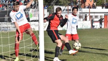 Gaiman FC y Huracán son dos de los cuatro aspirantes a la plaza de la Liga del Valle al Regional 2020. Los otros son Germinal y Alumni.