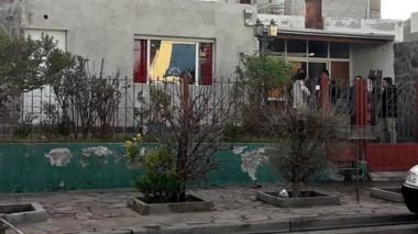 Tanto la madre como su hijo fueron encontrados en una casa ubicada en la calle El Chubut casi EE.UU.