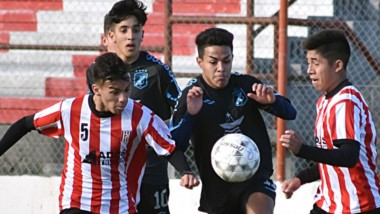 En el Cayetano Castro, Racing y Brown no se sacaron ventajas e igualaron 0-0 en 7ma. Se define el sábado.
