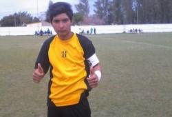 Ramón Ismael Coronel  (17), atajó un penal para su equipo Unión de Golondrina y luego falleció.