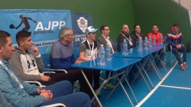 Tras la clínica del jueves, ayer se presentó la competencia con Maderna y Béliz, entre otros, y hubo partidos.