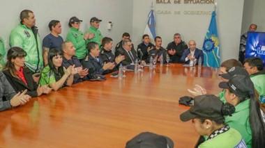 Aplausos. El ministro Massoni habló con la prensa tras presentar el informe de gestión de la Agencia Provincial de Seguridad Vial.