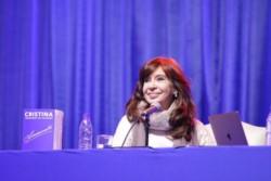 Cristina Kirchner presentó su libro en Río Gallegos y cargó contra el Gobierno: