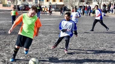 Hubo fútbol en Barrio Constitución, conocido como Las Mil Viviendas.