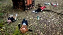 Desolador. Así quedaron los duendes, desparramados por toda la aldea, destruida en su totalidad por desconocidos.
