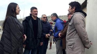 Transición. Vega, Gandón y Roldán acordaron ejes de trabajo antes de iniciar el acto aniversario.