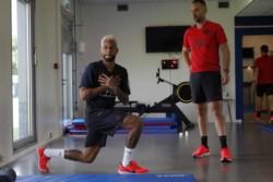Tras arribar a París y reunirse con los dirigentes del PSG, Neymar se sumó a los trabajos del campeón de la Ligue 1.