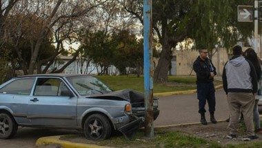 Trabajo para el chapista. El conductor estaba bien pese a algunos golpes a causa del impacto.