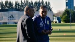 En medio del escándalo de la Selección femenina de fútbol, Chiqui Tapia apoyó al DT.