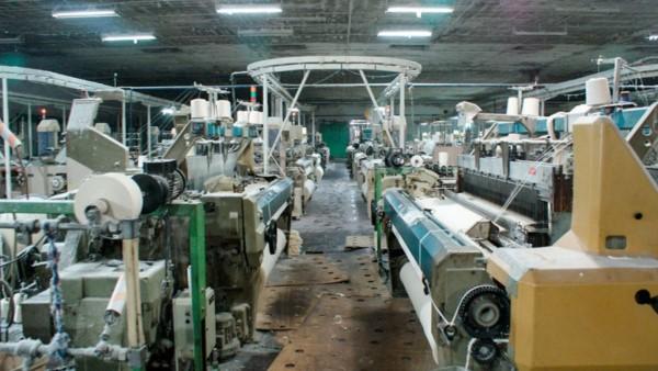 La industria cayó 6,7%, según la UIA