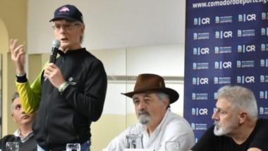 Fernando Signorini al micrófono. Entrenó a Diego Armando Maradona durante años con Menotti y Bilardo.