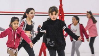 Nenas de todas las edades practican el deporte en la institución madrynense, donde aprenden y se divierten.