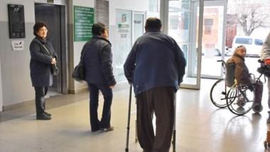 En los hospitales de la provincia se adoptó la modalidad de retención de servicios por dos y tres horas.