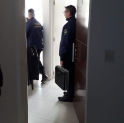 La policía realizó allanamientos en Trelew y Puerto Madryn