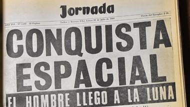 Jornada del 21 de julio de 1969 con la proeza humana en títulos y fotos.