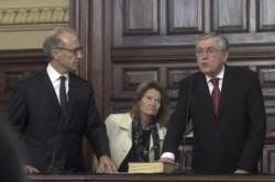 Pais junto al titular de la Corte Suprema Carlos Rosenkrantz y la vicepresidenta del tribunal, Elena Highton de Nolasco.