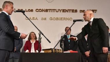 Sí, juro. De a poco se van produciendo los cambios dentro del gabinete de Arcioni con el objetivo de encarar la segunda etapa de gobierno.