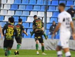 Tras igualar 1-1 contra Gimnasia en la Copa Argentina, el Halcón venció al Lobo en los penales