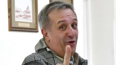 Oscar Antonena, hoy funcionario en Camarones.