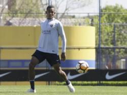 Villa sufrió un golpe en la práctica de ayer pero hoy entreno de forma normal.