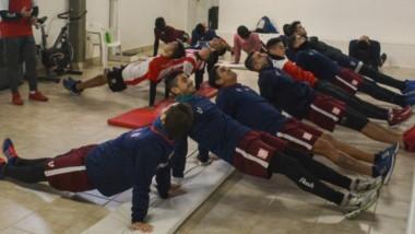 El plantel de Racing Club, con algunas bajas, comenzó con la preparación para afrontar el Patagónico y el Clausura de la Liga del Valle.
