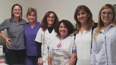 La campaña se realiza en el Hospital Rural de Rada Tilly con colaboración de personal de Desarrollo Social.