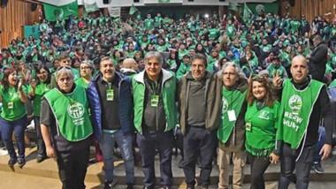Asamblea en el cierre. El titular de ATE Nación llegó para apoyar a Quiroga de cara a las elecciones y participó de la movilización junto a todas las seccionales locales.