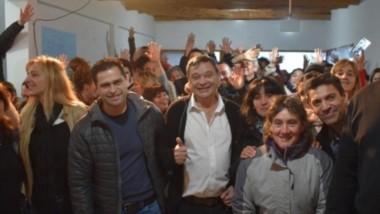 Todo ok. Raúl Ibarra se mostró muy satisfecho ante el nuevo escenario, acompañado por buena parte de su militancia en Lago Puelo.