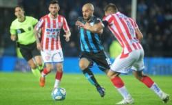 Unión llega de empatar 0-0 con Racing en el Cilindro.