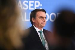 Bolsonaro abre nueva polémica al advertir que un periodista podría ir preso por sus publicaciones.