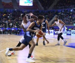 Victoria de Argentina ante un aguerrido Puerto Rico por 76 a 67. Luis Scola fue el máximo anotador del partido con 24 puntos.
