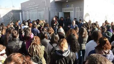 La asamblea que se llevó adelante ayer en Puerto Madryn con la presencia de Santiago Goodman.