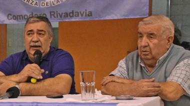 El titular de Luz y Fuerza de la Patagonia, Héctor González, durante una actividad junto a Gamboa.