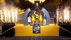 Maillot amarillo y toda la gloria en Francia: la imagen de Egan Bernal que quedará por siempre en la historia grande de Colombia.
