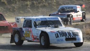 Cristian Trupiano se quedó con el triunfo ayer en la final de la categoría Simple Tracción Limitada, de la quintafecha del Safari Pista Zonal.
