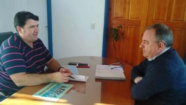 Dúo. Burgoa (izquierda) en plena charla con el ministro Arzani.