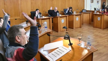Votación. El expediente de José Ramón y la suba del transporte fueron ejes de la sesión del parlamento.